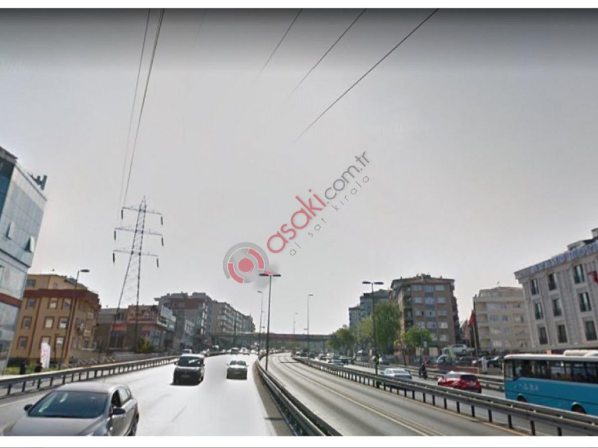 E-5 Yan Yol Üzeri 310 m² Arsa - Büyük 0