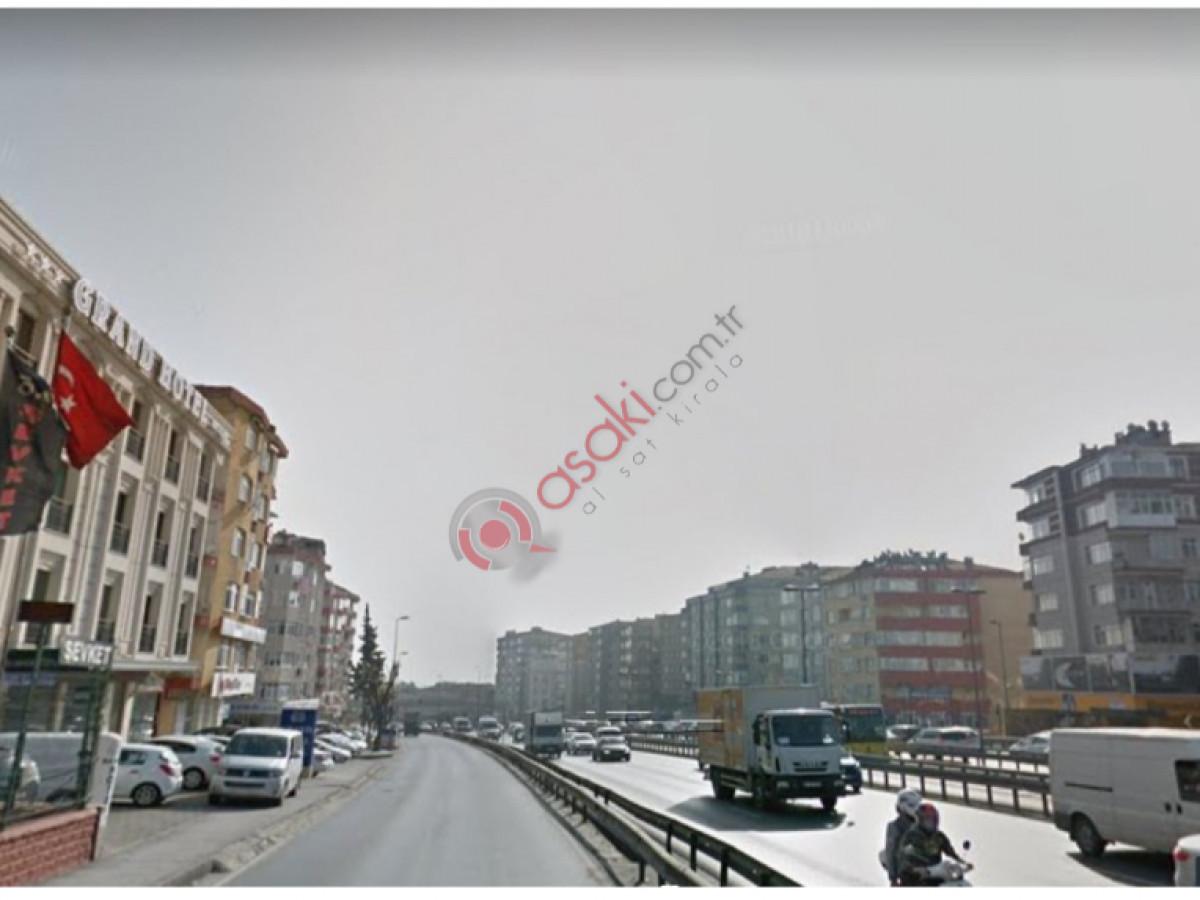 E-5 Yan Yol Üzeri 310 m² Arsa - Büyük 1