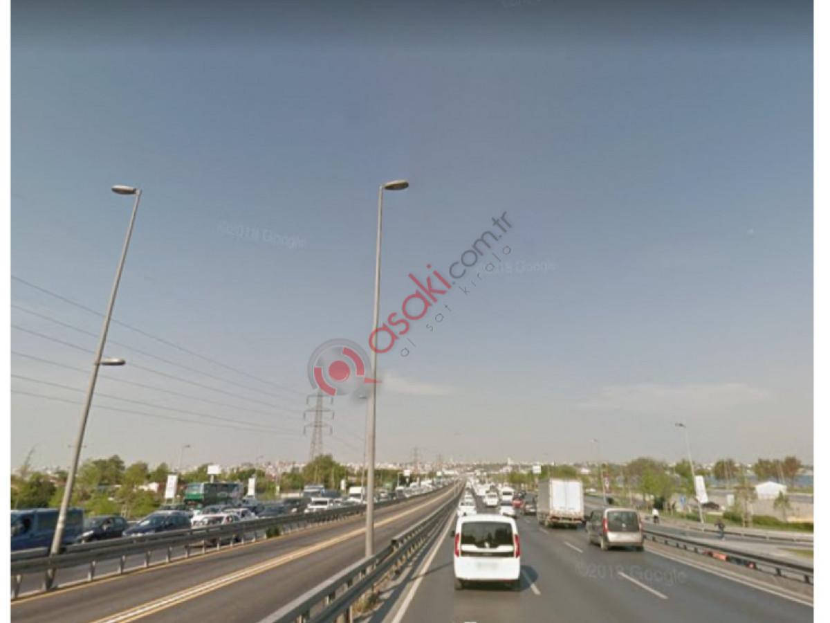 E-5 Yan Yol Üzeri 310 m² Arsa - Büyük 2