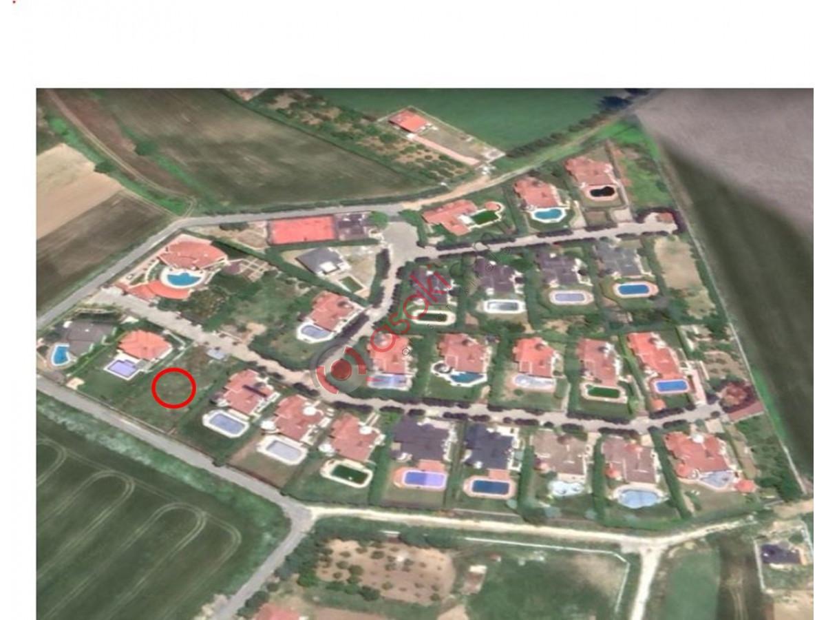 Kavaklı'da Site İçinde 1.000 m² Villa Arsası - Büyük 0