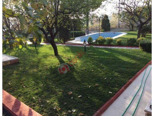 Beylikdüzü'nde Satılık Arsa Için'de 3 Adet Villa