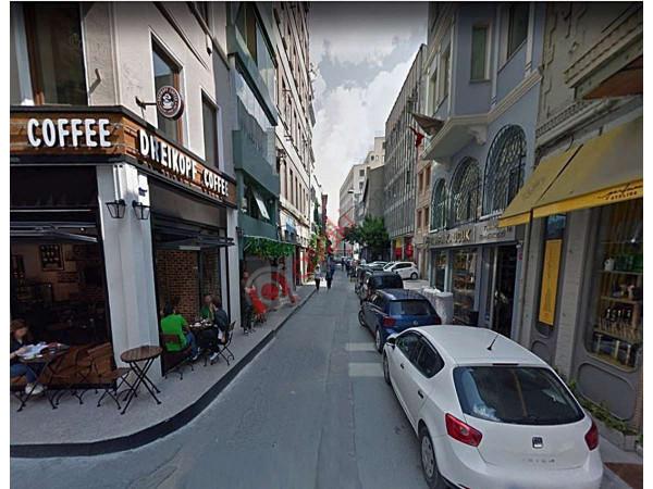 Beyoğlun'da Satılık Otel Binası Ticari+Turizm