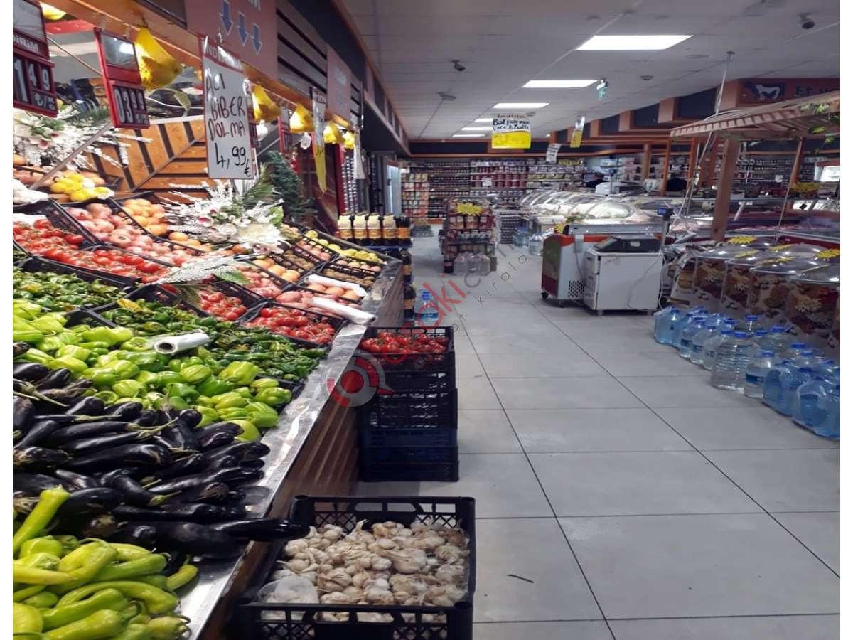 Avcılarda  Anacadde üzeri Satılık Dükkan - Büyük 0
