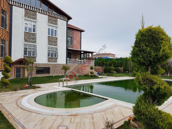 Celaliye'de Satılık  1300 M² Lüx Villa