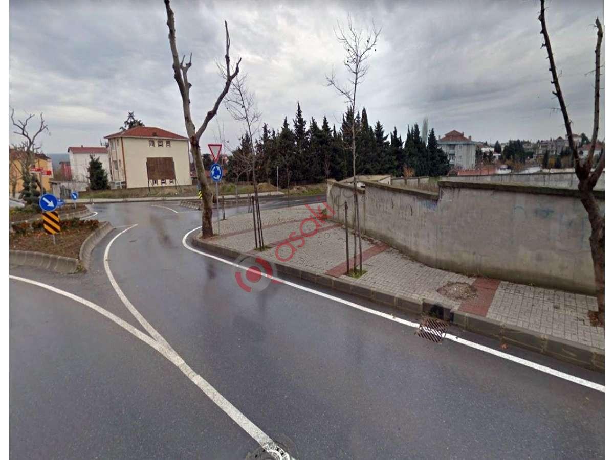 B.çekmece Celaliye'de 4 Kat Imarlı Ana Caddeye Cephe Arsa - Büyük 0