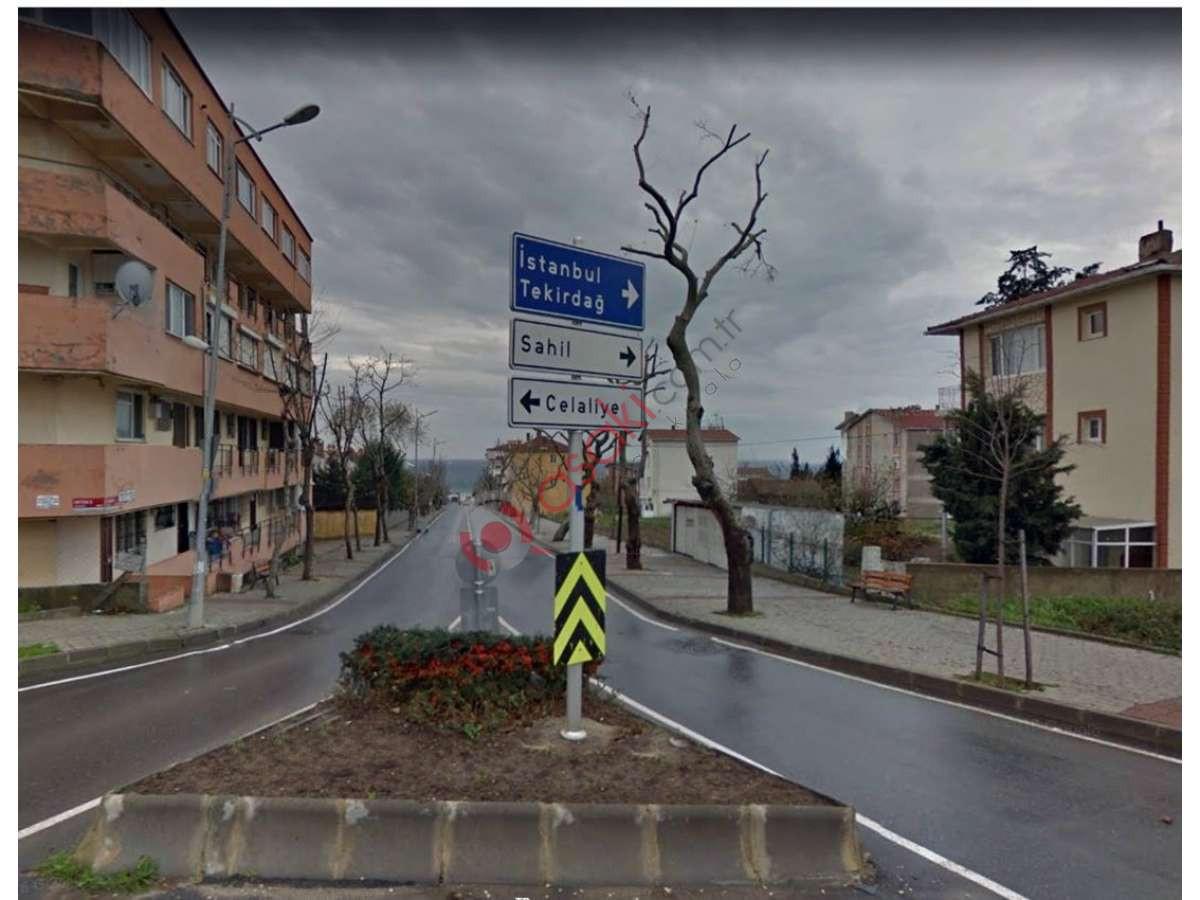 B.çekmece Celaliye'de 4 Kat Imarlı Ana Caddeye Cephe Arsa - Büyük 1
