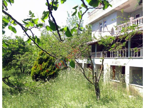 Silivri Büyükkılıçlı Mah.villa+arazi 5850 M²