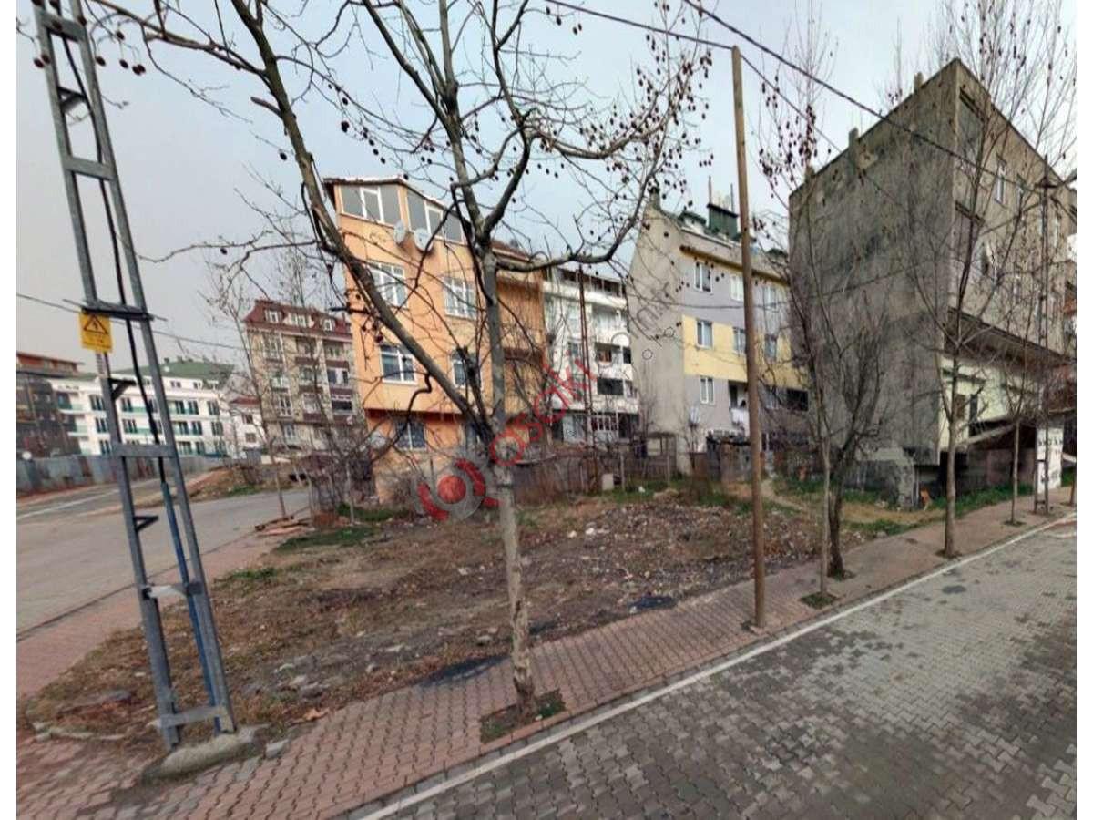 Esenyurt Akçaburgaz'da Köşe Arsa - Büyük 0