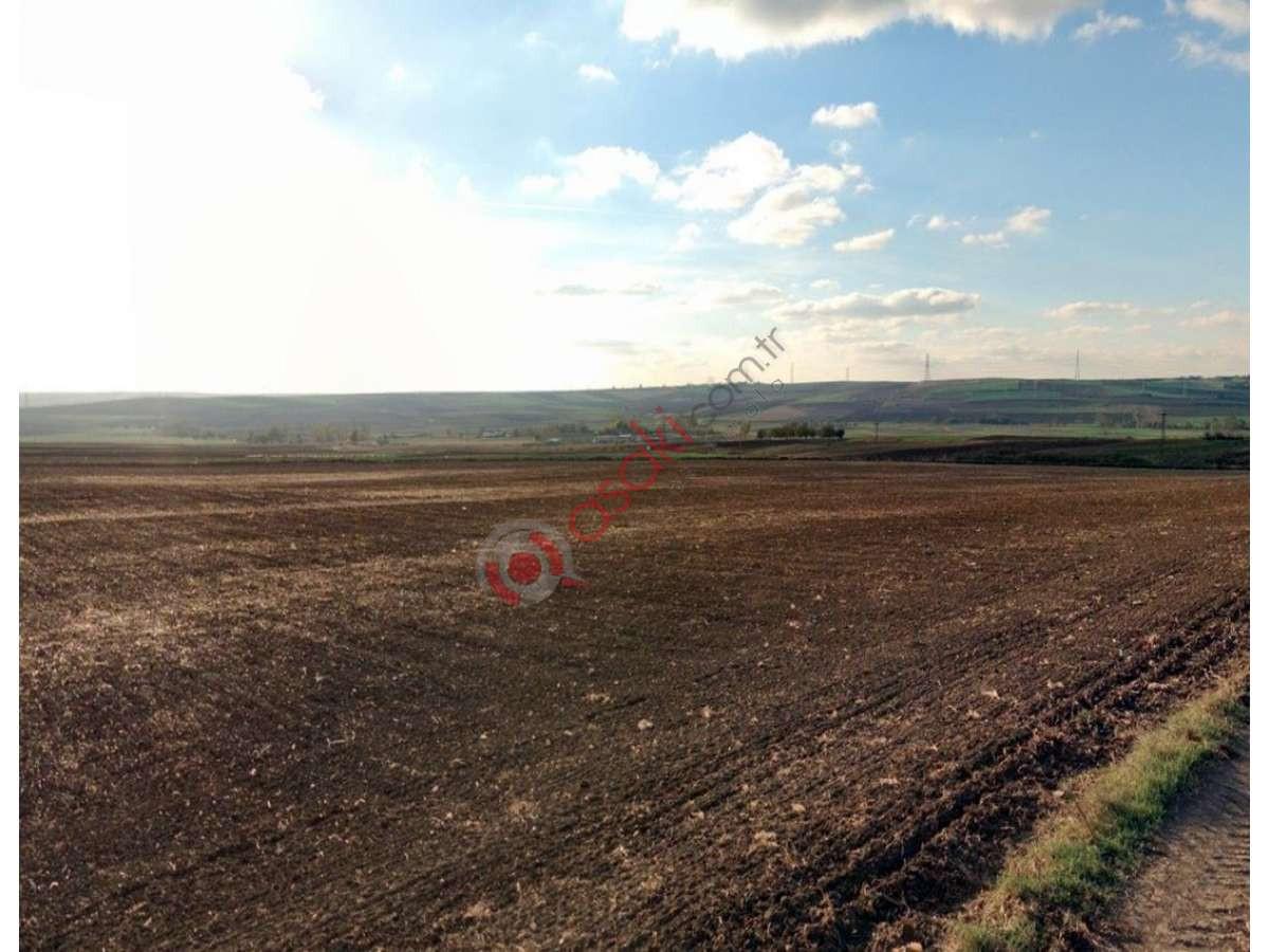 Silivri Değirmenköy'de Sanayiye Yakın Satılık Tarla - Büyük 0