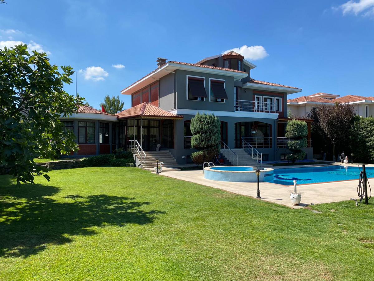 Büyükçekmece Tepekent'te Satılık Villa - Büyük 0