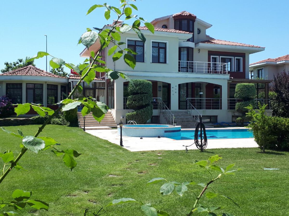 Büyükçekmece Tepekent'te Satılık Villa - Büyük 1
