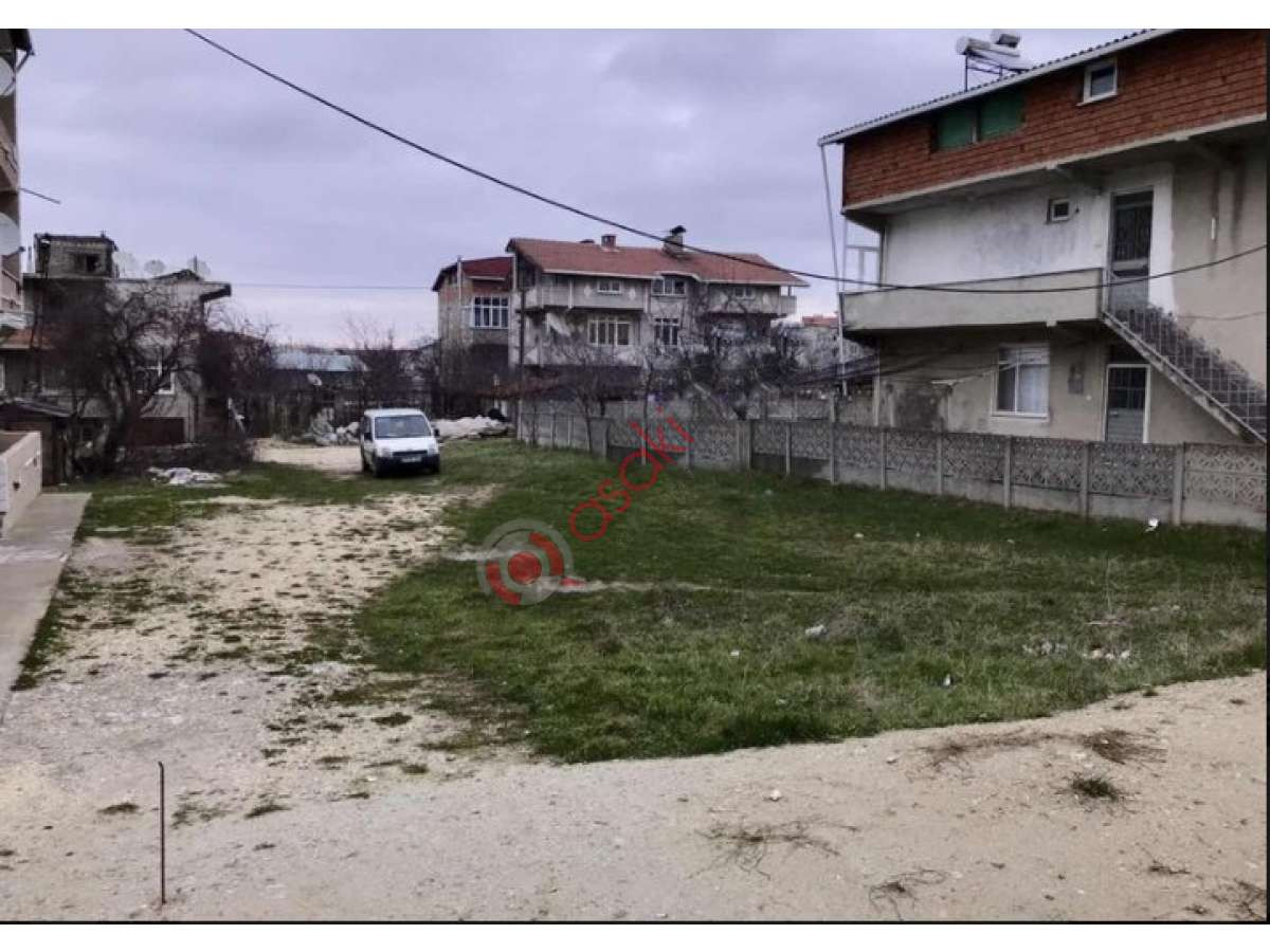 Saray Pazarcık'ta Saray Caddesine Cepheli Arsa - Büyük 0