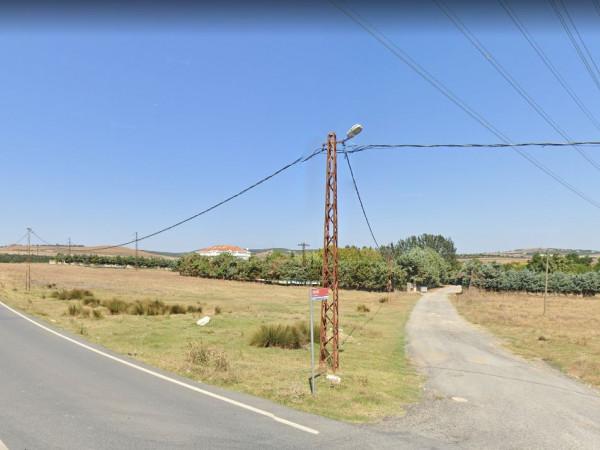 Silivri Büyükkılıçlı Köyünde Satılık Köşe Tarla
