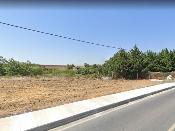 Silivri Küçükkılıçlıda Cadde Cepheli Arazi