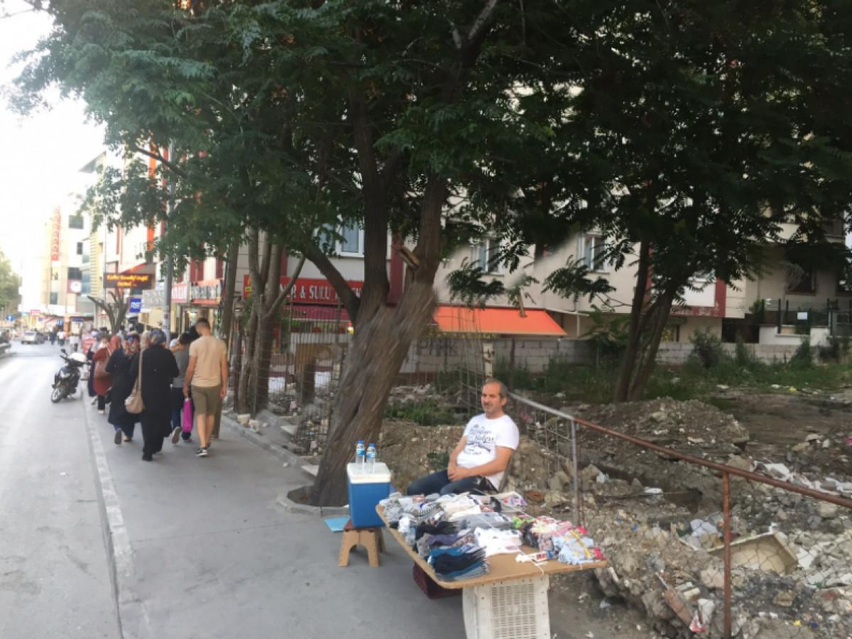 Esenyurt Meydanda Cadde Cepheli Satılık Arsa - Büyük 0