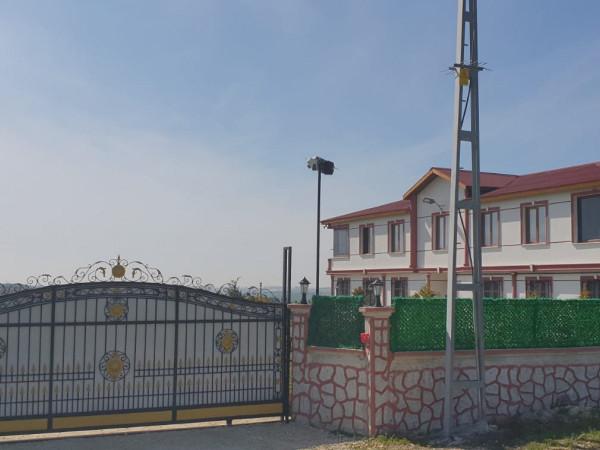 Silivri Gazitepe Mah  31.800 m2 Satılık Çiftlik Evi