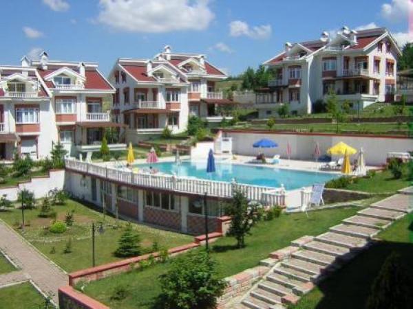 Celaliyede Satılık Mükemmel Manzaralı Triplex Villa