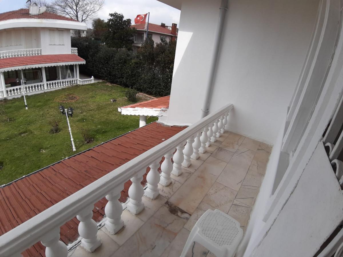 Büyükçekmece güzelcede 2 tane satılık villa - Büyük 15