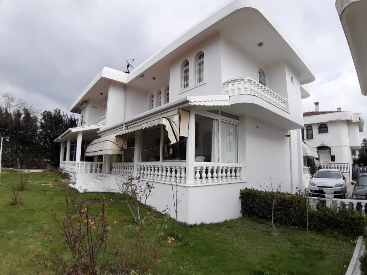 Büyükçekmece güzelcede 2 tane satılık villa - Büyük 34