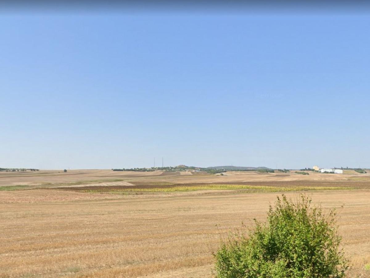 Silivri Seymende 65 Dönüm Satılık Arazi - Büyük 0