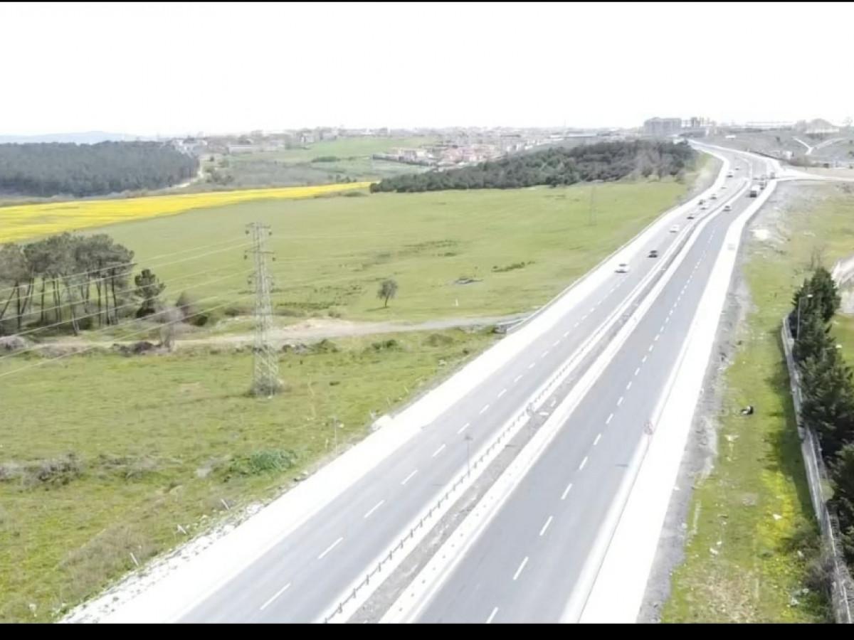 arnavutköy taşoluk'ta 60.000 m2. tarla 100.000.000 tl. - Büyük 1