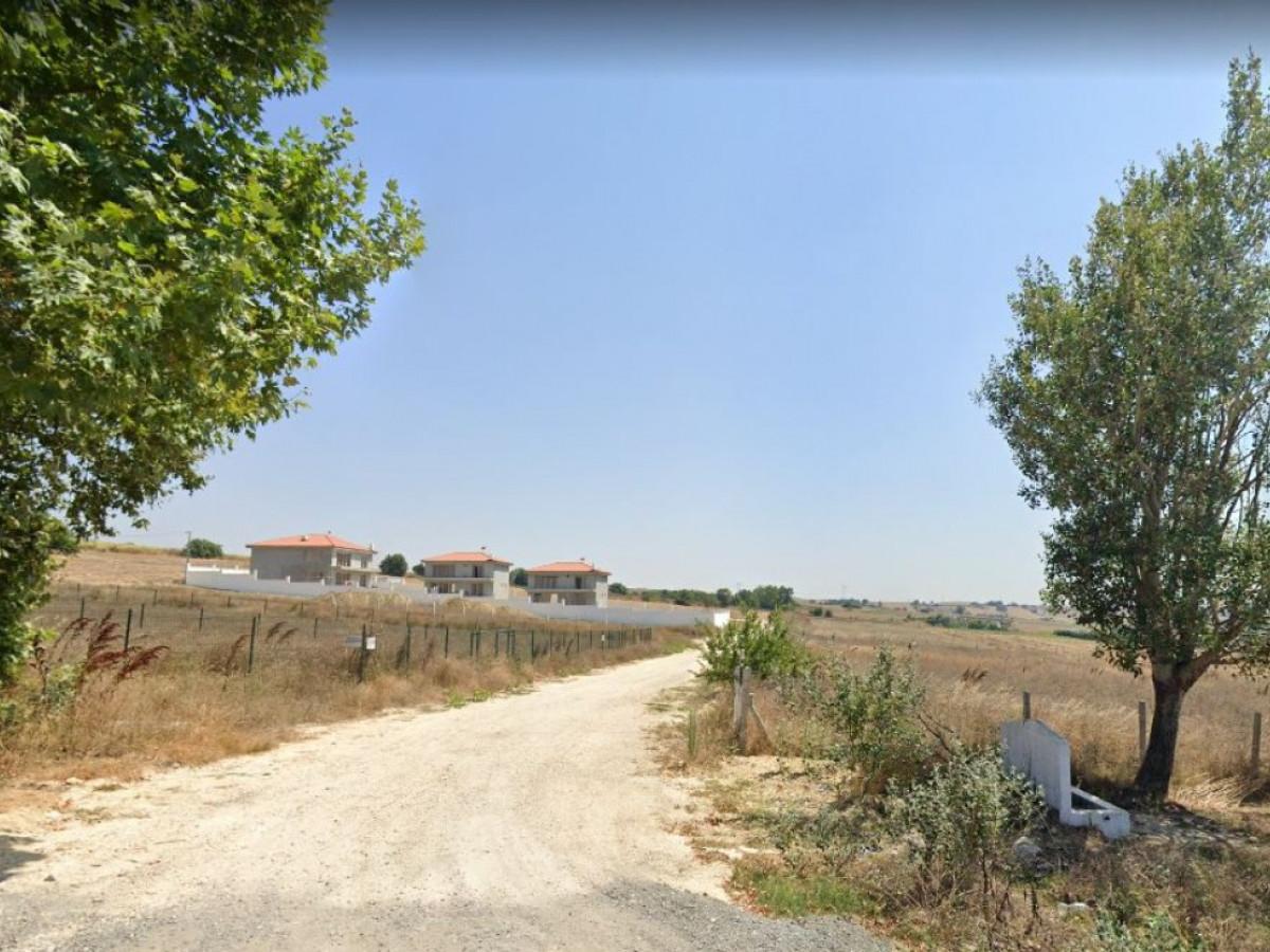 Silivri Ortaköyde Satılık Villa Arsası - Büyük 0